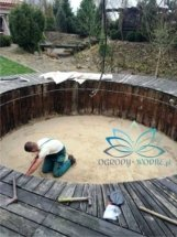basen-w-ogrodzie