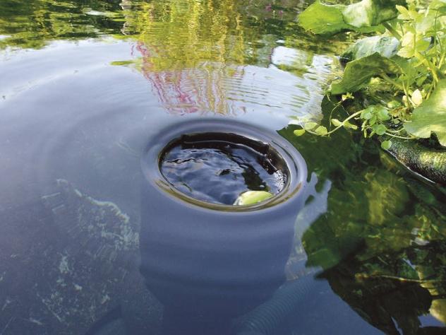 Skimmer do oczka wodnego i stawu. Zanu żany skimmer do zbiornika. Czyszczenie oczka wodnego. Skimmer Oase.